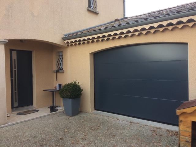 Vente de portes de garages sectionnelles Drôme et Ardèche