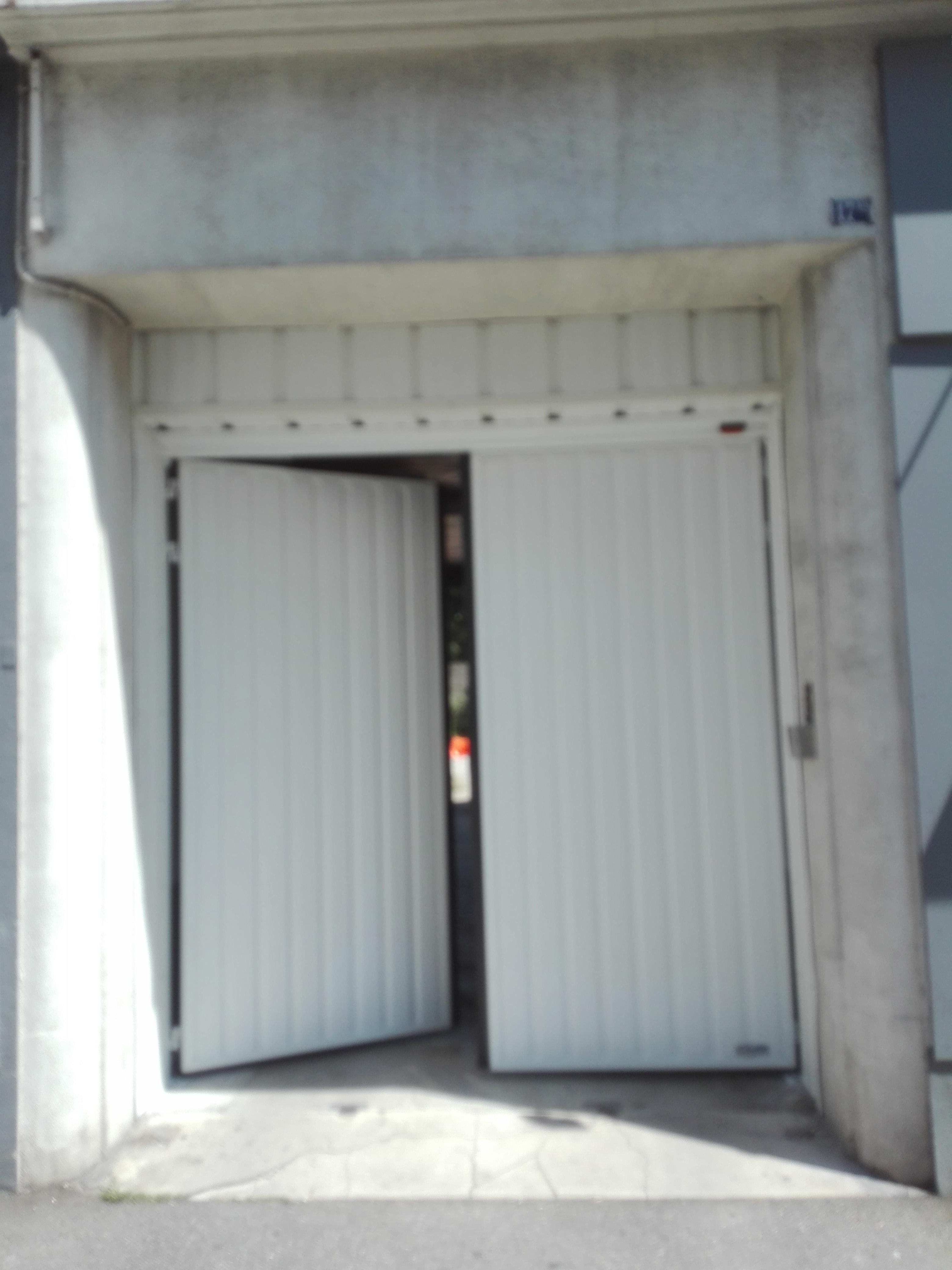 Porte de garage battantes Drôme Arèche